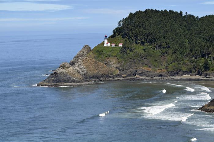 Orego-Coast-line-with-Lighthouse.jpg